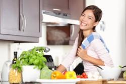 Неправильное питание мамы - причина вздутий живота