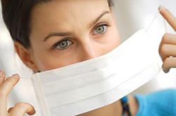 Использование медицинской маски при герпесе