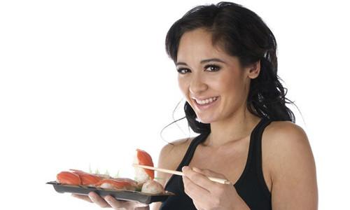 Употребление суши при кормлении