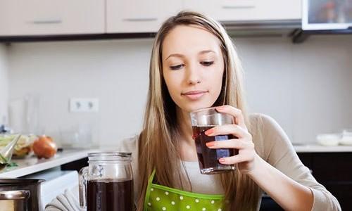 Польза компота из сухофруктов для кормящей мамы