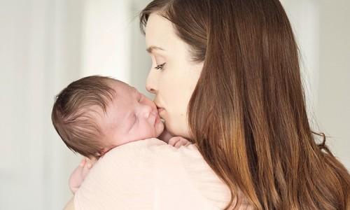 Возникновение отита у новорожденного