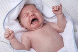 Боль от прорезывания зубов - причина отказа от грудного молока