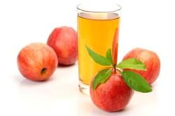 Польза яблочного сока в период лактации