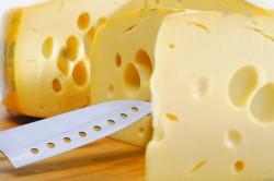 Польза сыра при кормлении ребенка грудью