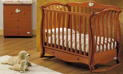 Детская кровать-качалка